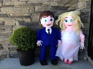 Pinata Wedding Couple - thefancyhen.ie