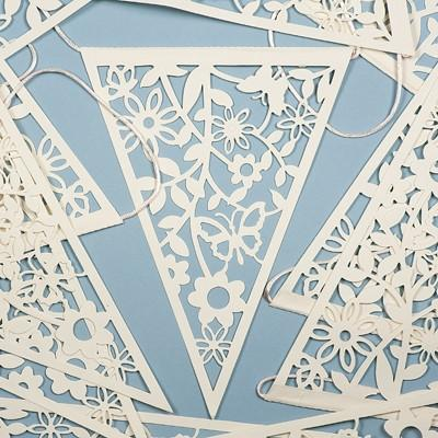 Bunting White Lace - thefancyhen.ie